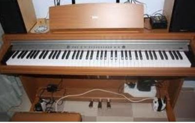 digital piano keyboard  turn on