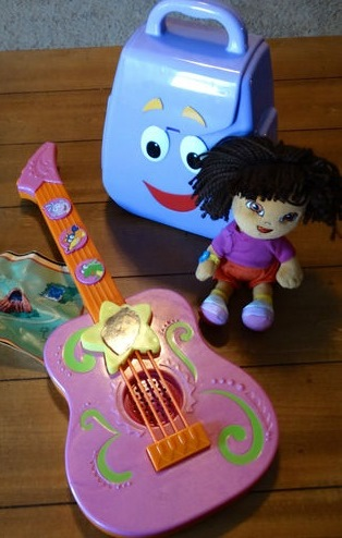 Fisher-Price Dora the Explorer Tunes Toddler Guitar