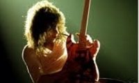 How to play guitar solos better