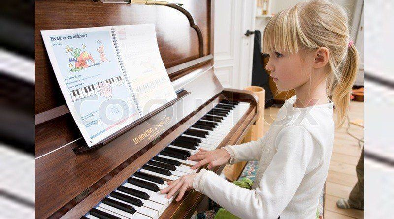 learn to play piano keyboard
