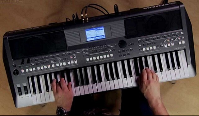 yamaha psr-s670 featured